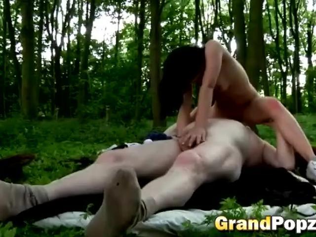 russkie-lesbi-gruppa-smotret